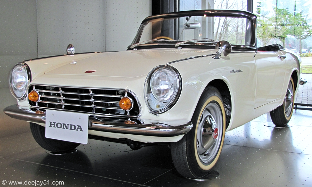 1965~1966: THE S600 COUPE AND S800 ROADSTER: These Cars Evolved From The  S500 Series, The Images Include The S600 Coupe In Red And The S800 Roadster  In ...
